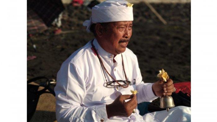 Kajeng Kliwon Enyitan Berbarengan Tilem Kapat & Buda Kliwon Gumbreg, Hari Baik untuk Muspa & Malukat