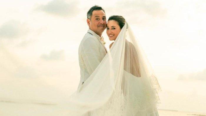 Fakta-fakta Pernikahan Julie Estelle dan David Tjiptobiantoro di Maldives