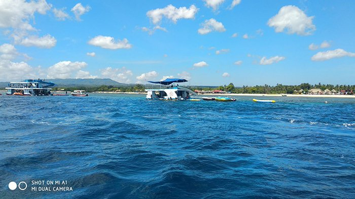 Prakiraan Tinggi Gelombang dan Kecepatan Angin di Perairan Bali oleh BMKG