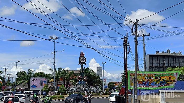 Pemasangan Tiang Provider di Denpasar Bikin Semrawut, Dewan: Pemerintah Kecolongan Terus