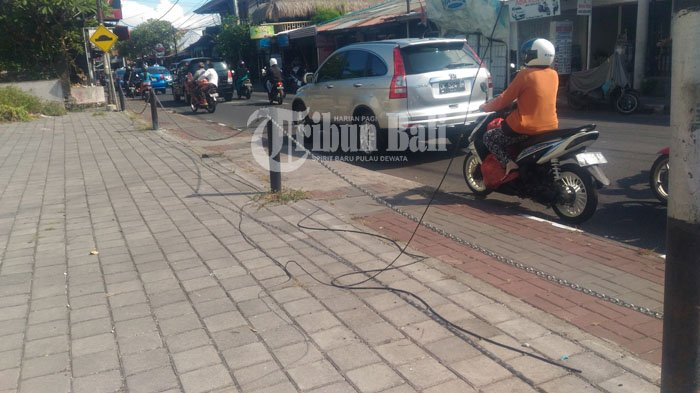Kabel Melintang di Jalan Danau Toba Sanur