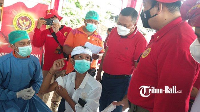 Kabinda Bali Bantu Vaksinasi Pelajar dan Lansia, Brigjen Purnomo: Gianyar Dapat 2.100 Dosis
