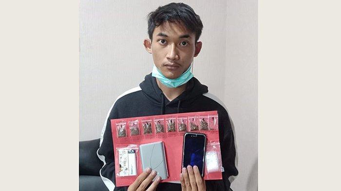 Bawa 9 Paket Tembakau Sintetis, Pemuda Asal Jimbaran Diamankan Satnarkoba Polres Badung