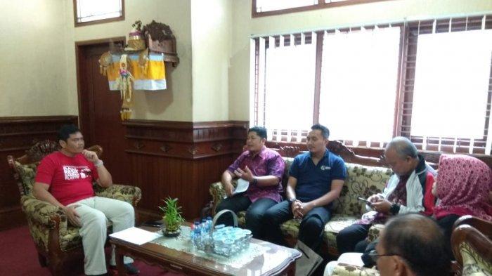Kadishub Bali Usulkan Denda Rp 50 Ribu per Batang Bagi Sopir yang Merokok saat Mengemudi