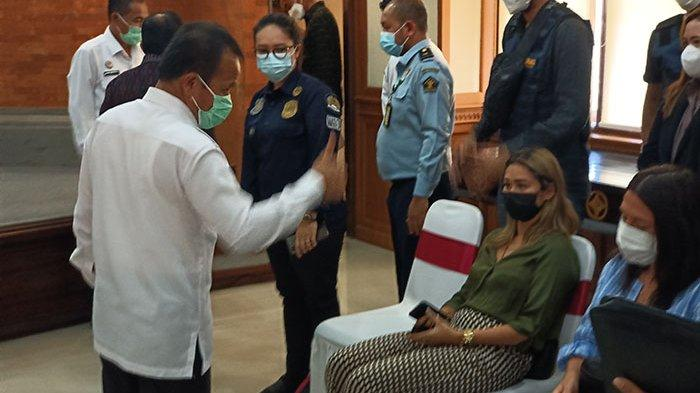 Bule Rusia Viral Lukis Wajah Menyerupai Masker di Bali Ternyata Sudah Tiga Kali Buat Konten Prank