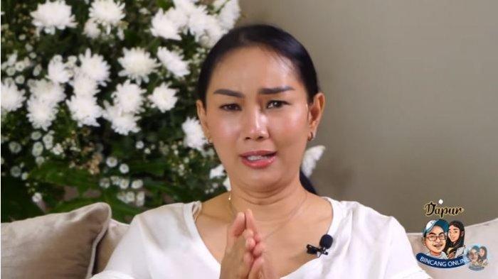 Kalina Ocktaranny menangis membeberkan alasannya memutuskan untuk batalkan pernikahan dengan Vicky Prasetyo, Sabtu (20/2/2021).