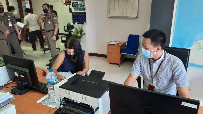 Imigrasi Segera Deportasi WNA di Canggu yang Sempat Menolak Isoman