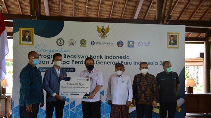 225 Mahasiswa dan 20 Siswa SMK di Bali Menerima Program Beasiswa Bank Indonesia Tahun 2021