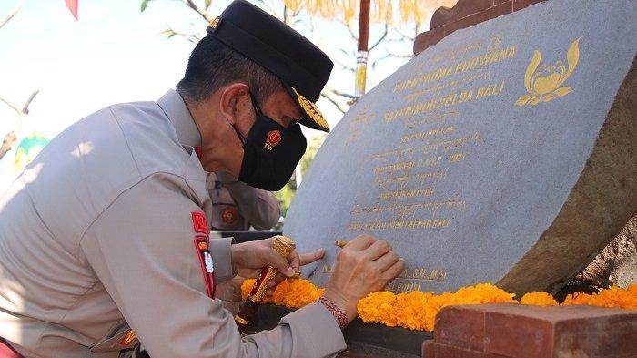 Bulan Ramadan dan Galungan, Kapolda Bali Resmikan Masjid dan Pura Mako Sat Brimob