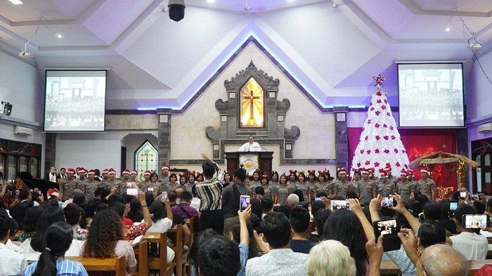 Kapolda Bali Rayakan Natal di Gereja GPIB Ekklesia, PGR Choir Meriahkan Acara Natal