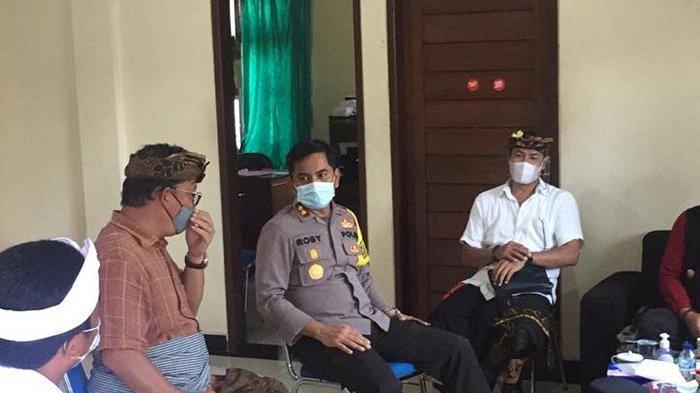 Pastikan Penerapan Prokes, Kapolres Badung Sambangi Tempat Pemungutan Suara Pilkel di Darmasaba