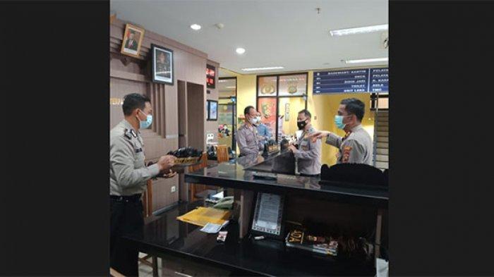 Pastikan Sarana Prasarana Lengkap dan Taat Prokes, Kapolres Badung Pantau Pelaksanaan Penerbitan SIM