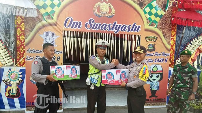 Kapolres BadungPantau Pos Pam dan Pos Yan Terpadu Ketupat Agung 2018