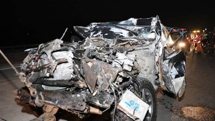 Laka Maut di Tol Surabaya, Kapolres Tulungagung AKBP Tofik Luka Berat, Istri & Ajudan Meninggal