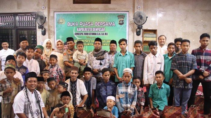 Berbagi Kebahagiaan Bulan Suci Ramadan, Kapolresta Denpasar Ajak Anak Yatim Piatu Buka Puasa Bersama