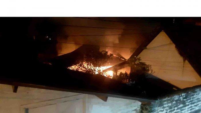 Kebakaran di Sukawati Gianyar, Candra Terkejut Dengar Suara Letupan, Dua Lansia Nyaris Terpanggang
