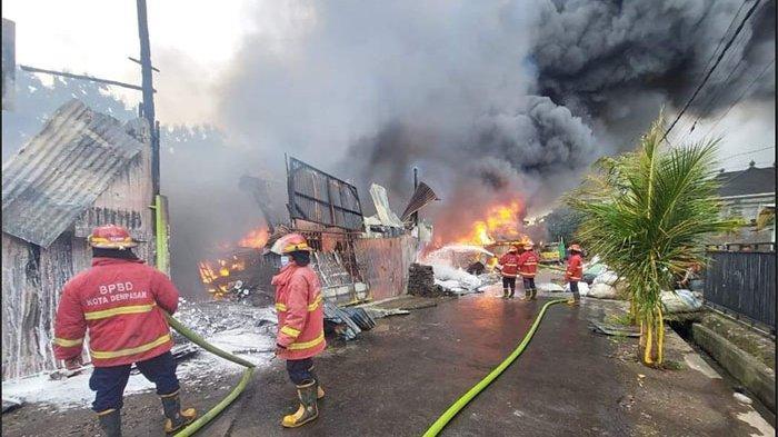 UPDATE Kebakaran Hebat Gudang Rongsok di Renon Denpasar Bali Diduga Akibat Korsleting Listrik