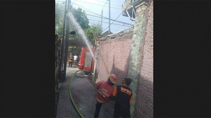 Kabel Listrik & Telepon di Sebuah Gang Permukiman di Sidakarya Denpasar Terbakar, Warga Sempat Panik