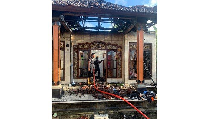 Rumah Milik Seorang Petani di Nusa Penida Hangus Dilalap Api