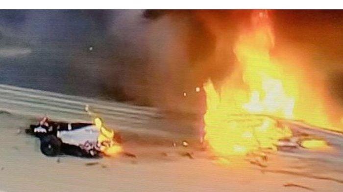 Insiden Horor Terjadi di F1GP Bahrain, Mobil Jadi Dua dan Terbakar, Pembalap Selamat dengan Ajaib