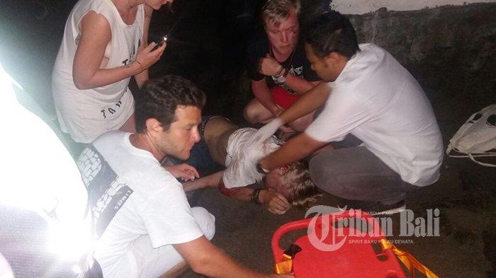 Bule Ditemukan Bersimbah Darah dan Tak Sadarkan Diri, Tergeletak di Pasir Pantai Canggu!