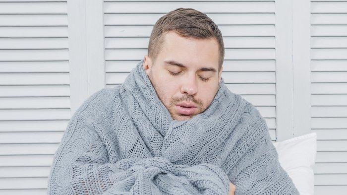 Kenali 4 Penyebab Badan Menggigil Saat Tidur