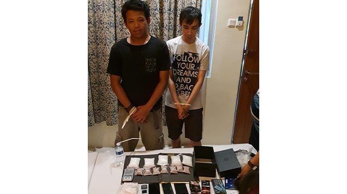 Polda Bali Amankan Pengedar Narkoba Asal Jatim dengan BB 700 Pil Ekstasi dan 5 Paket Sabu