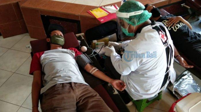 Saat Pandemi Covid-19 Warga Takut Donor Darah ke Luar Rumah, PMI Denpasar Jemput Bola ke Banjar