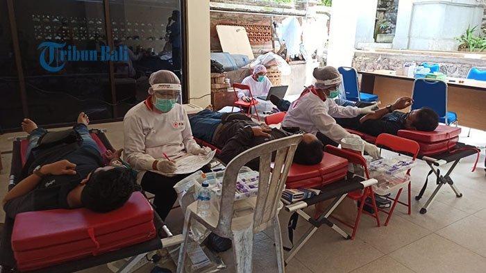PMI Denpasar Gelar Donor Darah Antisipasi Kekurangan Stok, Dapat 22 Kantong Darah Selama 3 Jam