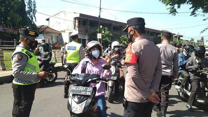 Polres Jembrana Gelar Operasi Yustisi, Pengendara yang Belum Divaksin Langsung Diarahkan Vaksinasi