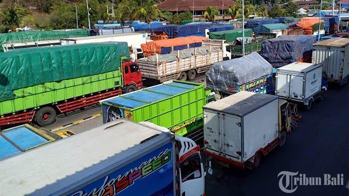 Lifting Beam di Dermaga II Pelabuhan Padang Bai Rusak, Antrean Kendaraan Besar Membeludak