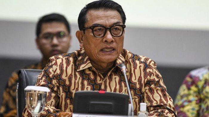 Kepala Staf Kepresidenan Moeldoko memberikan keterangan kepada wartawan terkait peluncuran situs resmi Kartu Prakerja di kantor Kemenko Perekonomian, Jakarta, Jumat, 20 Maret 2020.