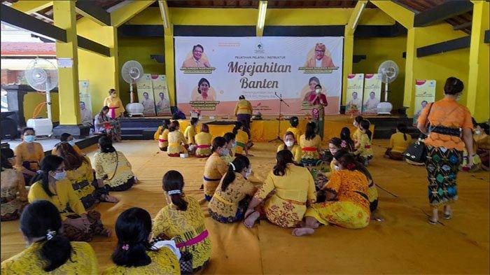 Peringati Hardiknas dan Hari Kartini, KPPG & IIPG Bali Gelar Pelatihan Instruktur Mejejaitan Banten