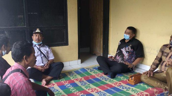 Ketua DPRD Karangasem Sambangi Rumah Korban yang Hilang di Padang Bai Karangasem Bali