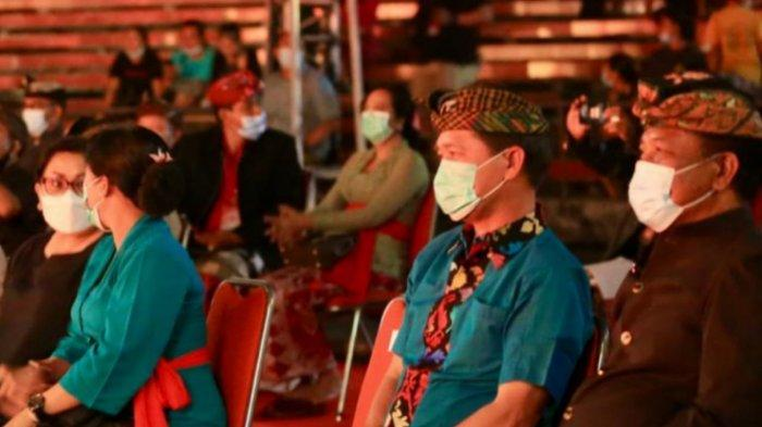 Ketua DPRD Klungkung Berikan Semangat Para Seniman di Pesta Kesenian Bali XLIII