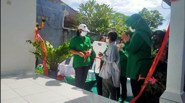 Program Bedah Rumah Persit Udayana di Klungkung, Istri Pangdam Puji Semangat Gotong-royong Warga
