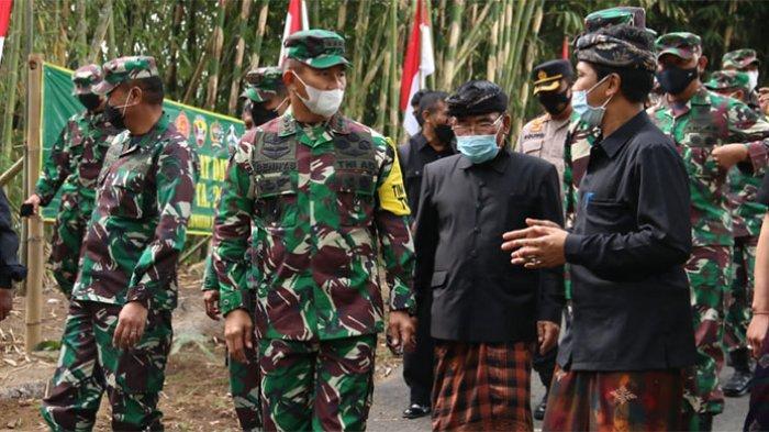 Ketua Tim Wasev Letjen TNI Benny Susianto Kunjungi Lokasi TMMD ke-112 di Desa Pengotan Bangli