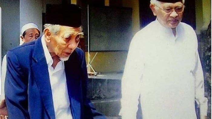 Mbah Moen Meninggal Dunia Saat Tunaikan Ibadah Haji di Mekkah, Gus Mus Turut Berduka