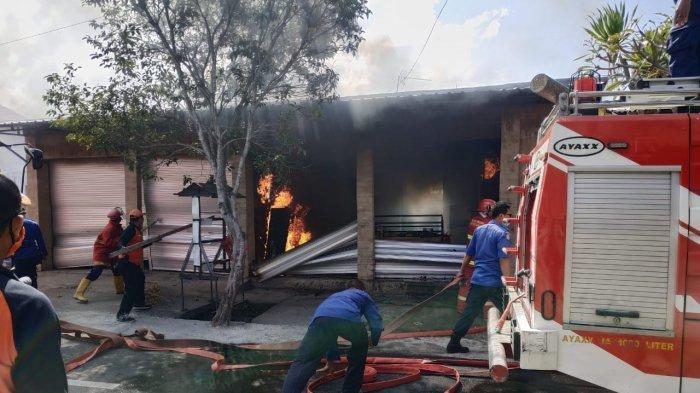 Kios Menjual Sarana Upakara Terbakar di Klungkung, Kerugian Mencapai Rp 60 Juta