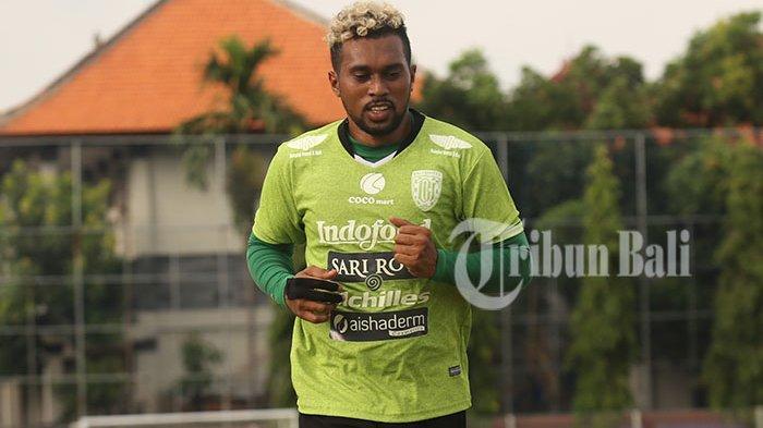Pernah Jadi Seorang Winger, Kiper Bali United Ceritakan Sepenggal Perjalanan Kariernya