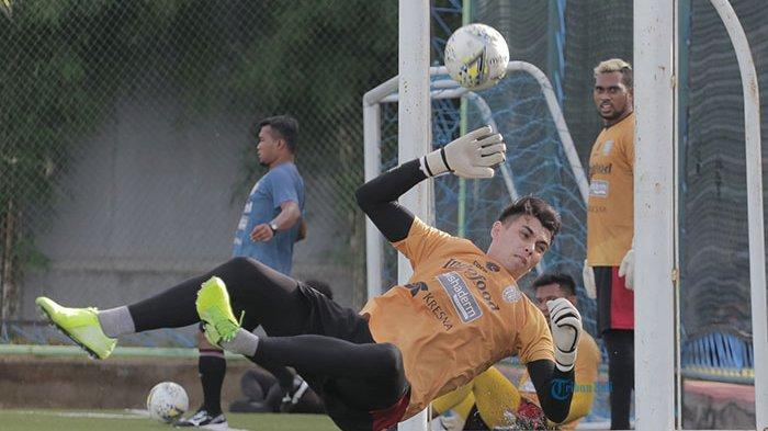 Kiper Bali United, Nadeo Argawinata Berbagi Tips Bagaimana Menjadi Kiper Profesional