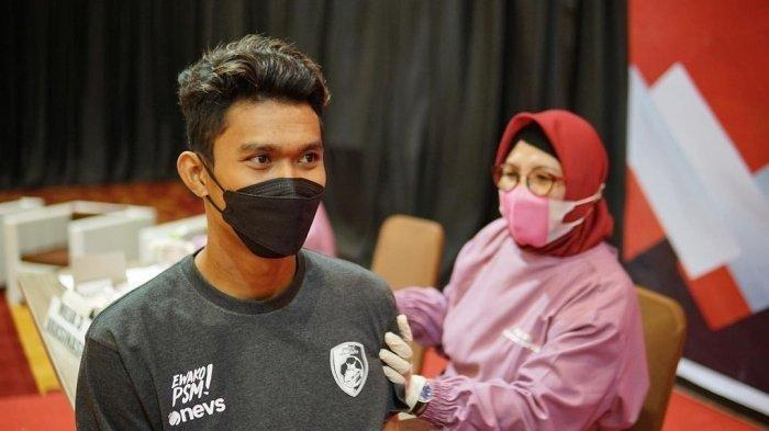 Kiper PSM Makassar, Hilman Syah saat menjalani rangkaian Protokol Kesehatan