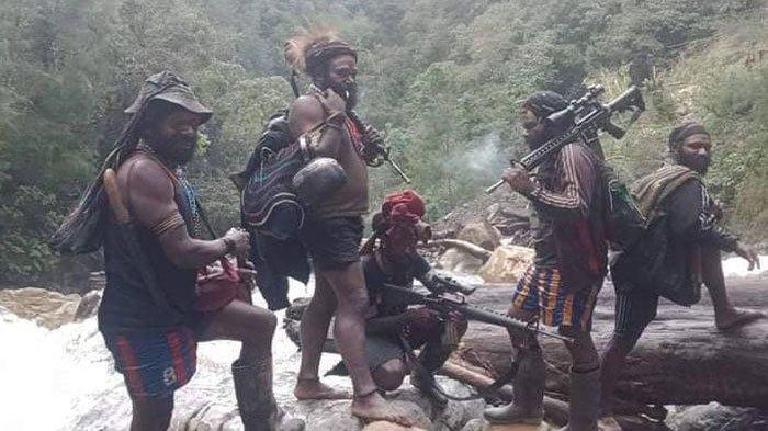 Kebrutalan KKB Papua, Hadang Mobil Pekerja Lalu Habisi 3 Nyawa, 4 Disandera, 2 Kritis