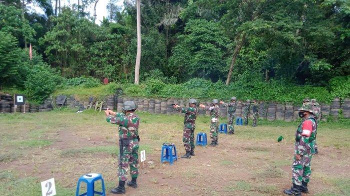 Prajurit Kodim 1611/Badung Gelar Latihan Tembak Senjata Ringan