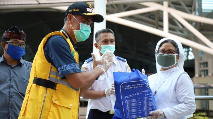 Komunitas Bandara I Gusti Ngurah Rai Berikan Bantuan untuk Warga Terdampak COVID-19