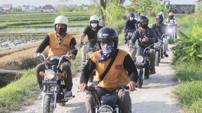 Monkey Brothers Touring Gunakan Sepeda Motor Mini, Susuri Persawahan di Canggu Bali
