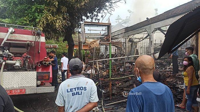 Kondisi bangunan rukoyang terbakar, di Jalan Raya Semer, Kerobokan Kelod, Badung, Bali, Rabu 10 Februari 2021.
