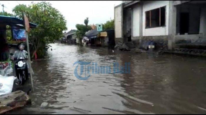 Musim Hujan, Banjar Telabah di Gianyar Bali Benar-benar Jadi 'Telabah', Digenangi Air Hingga 60 Cm