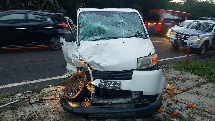 Mobil Adu Jangkrik di Tabanan, Pengemudi Akui Tidak Mengantuknamun Mobil Sempat Oleng
