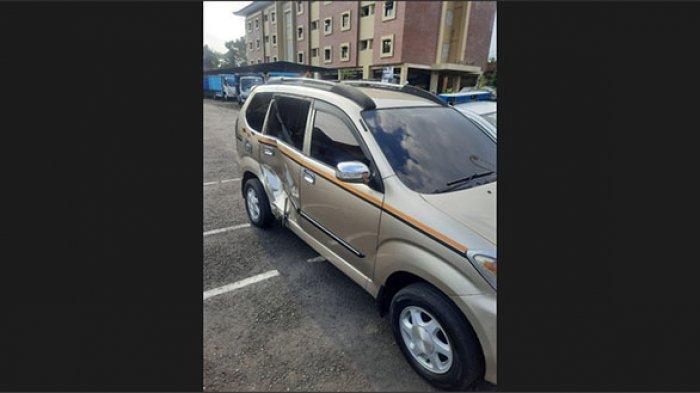Putu Bayu Tabrak Mobil Xenia yang Hendak Putar Balik di Depan RSU Bangli